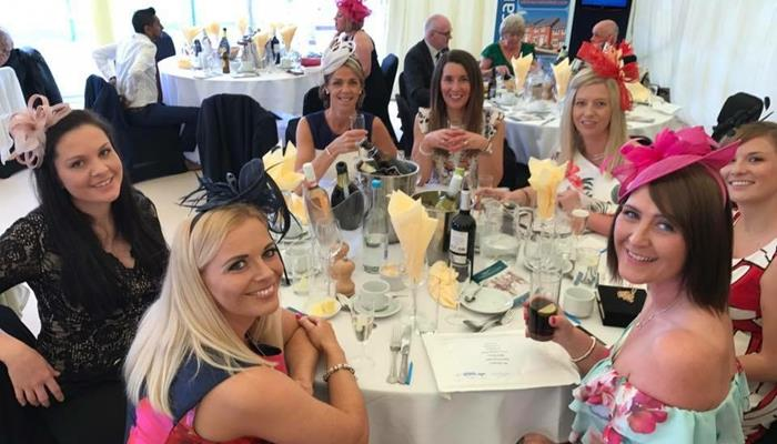 UKinsuranceNET ladies at thirsk races